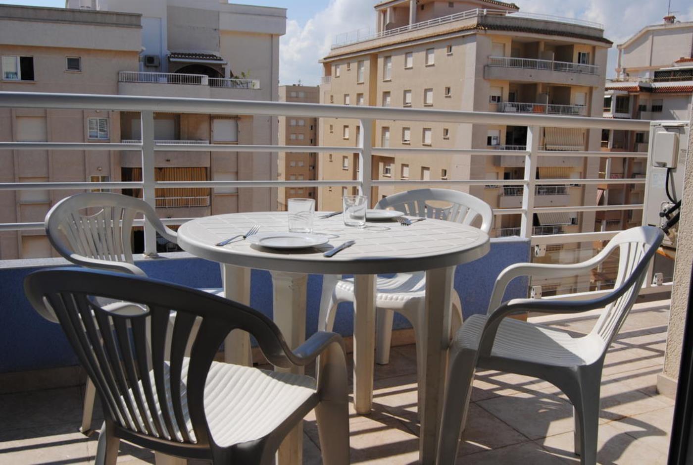Apartamentos en grao de gandia apartamentos peredamar - Apartamentos en gandia ...