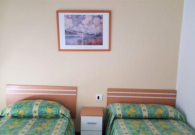 Apartamento en Grao de Gandia - DELFIN 1º - 6ª (ALQUILER SOLO A FAMILIAS) SITUADO