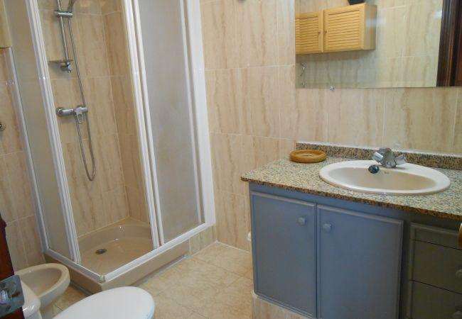 apartamentos económicos, baño completo, familias, niños, playa