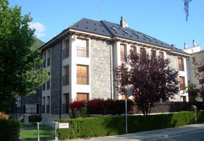 Apartment in Biescas - Biescas- Edificio Géminis 2 1ºA